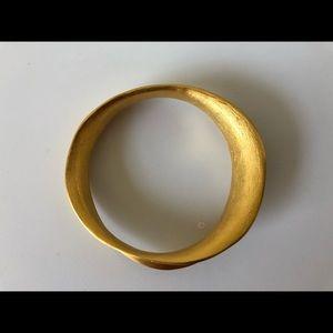 Kenneth Jay Lane Brushed Gold Wavy Bangle